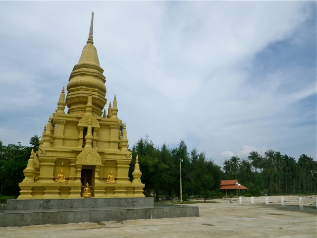 Laem Sor Pagoda, Ko Samui - Round the world with kids